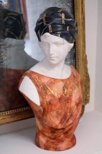 statue en platre peinte en faux marbre