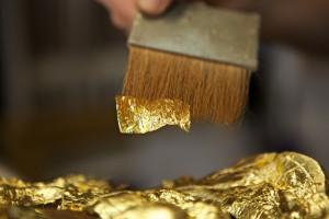 pose de la feuille d'or